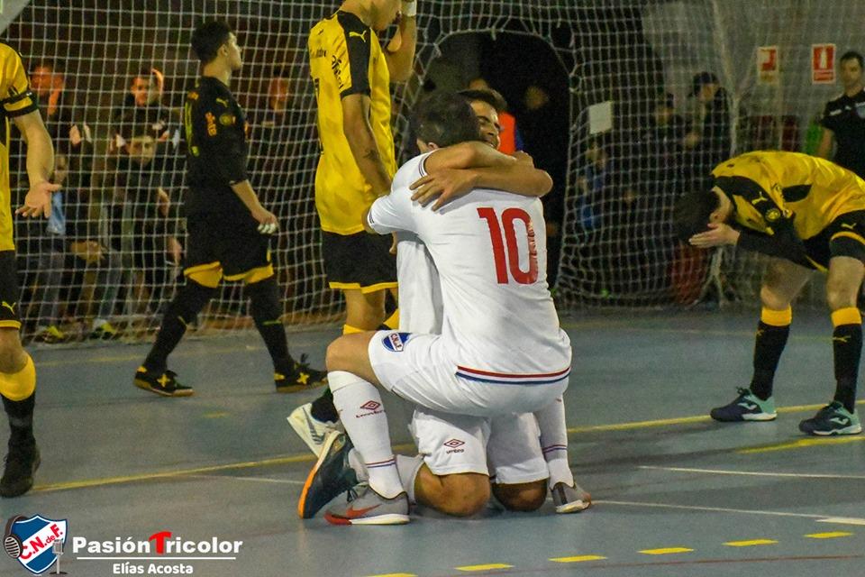 NACIONAL ganó el clásico en Futsal